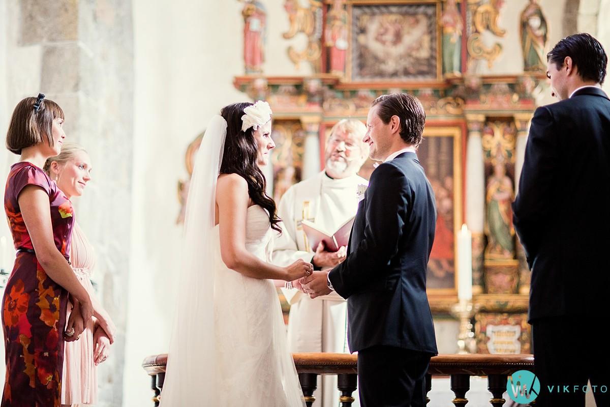 22-bryllupsfotograf-larvik-vielse-hedrum-kirke