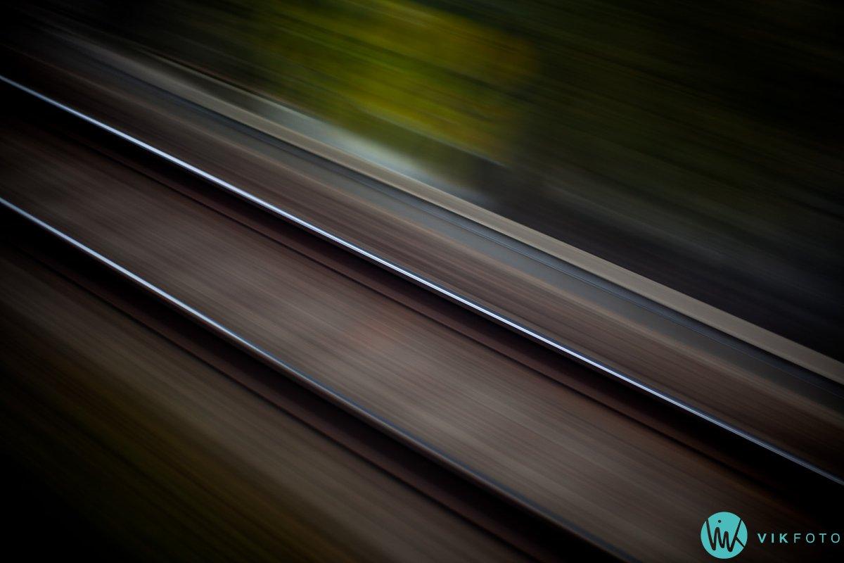 fototips-kreativ-lang-lukkertid-tog-skinner.jpg