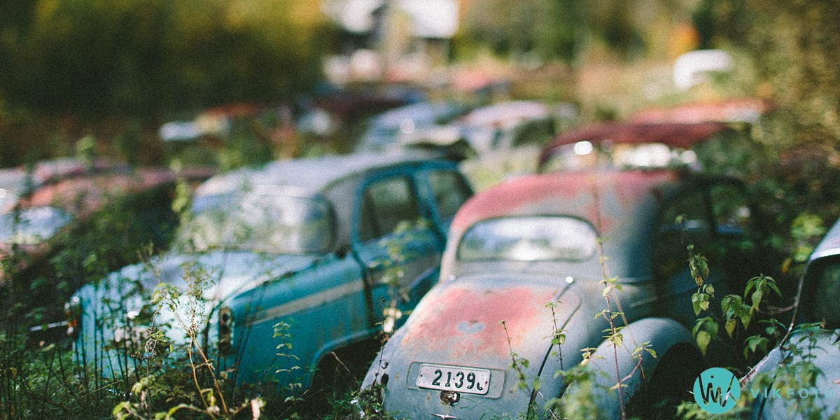 05-vikfoto-bilkirkegård-bilvrak-vrakpant-rusten-bil