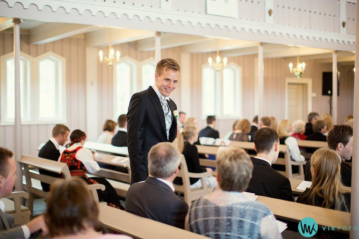 12-bryllupsfotograf-grimstad-arendal-engene-kirke