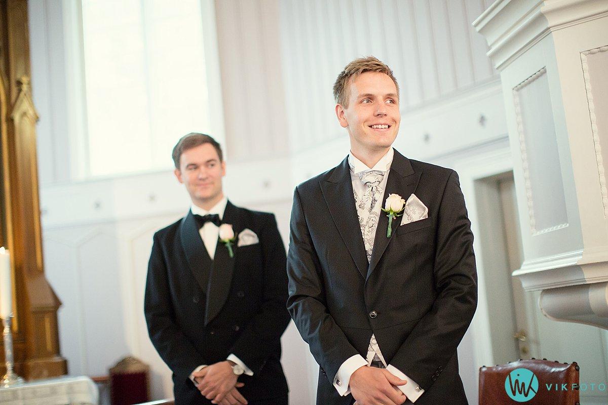 15-bryllupsfotograf-grimstad-arendal-engene-kirke