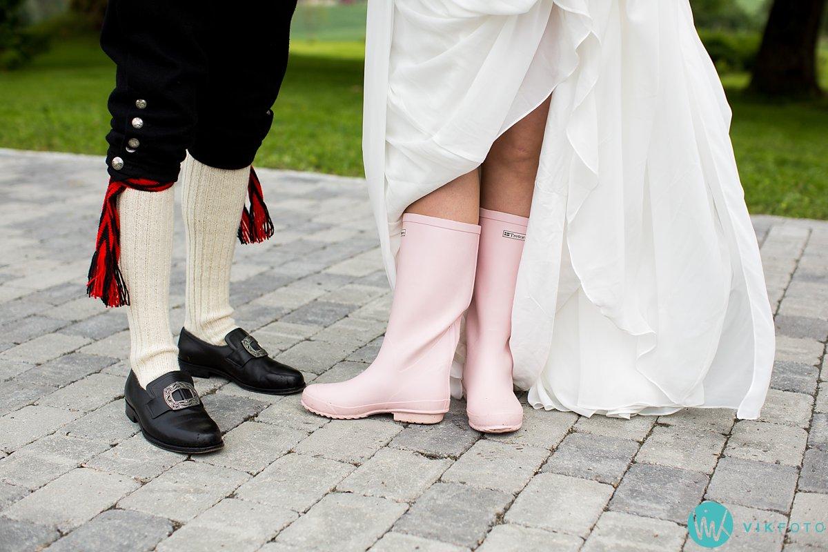 38-bryllup-fotograf-spydeberg-brudepar-bryllupsbilde-bunad