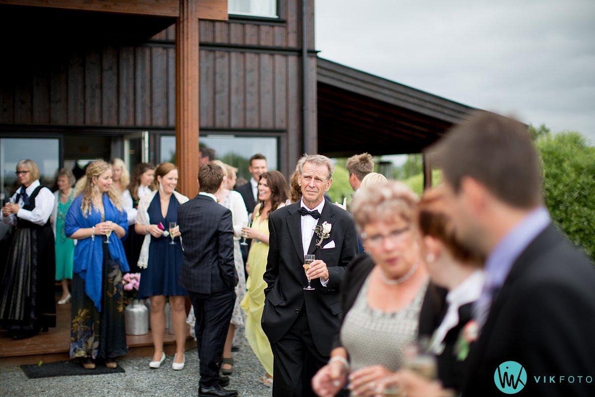 46-bryllup-fotograf-veiby-gård-skiptvet-fest
