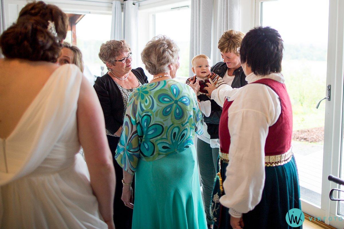 55-bryllup-fotograf-veiby-gård-skiptvet-fest