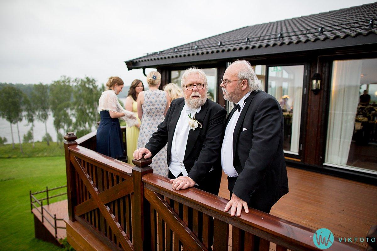 65-bryllup-fotograf-veiby-gård-skiptvet-fest