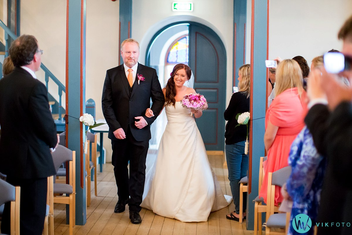 12-bryllup-vielse-hvaler-spjærøy-kirke
