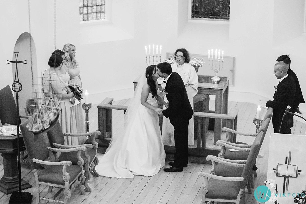 16-bryllup-vielse-hvaler-spjærøy-kirke