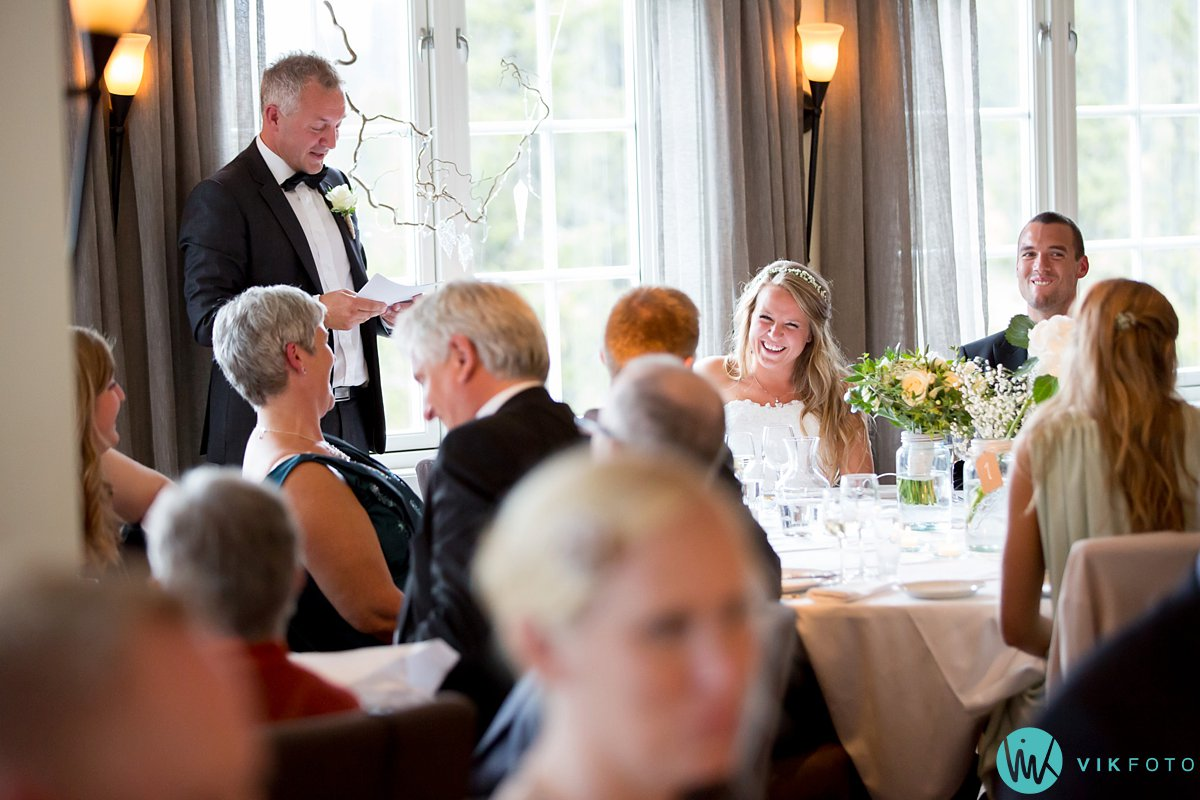 61-bryllupsfotograf-danebu-kongsgard-bryllupsbilder