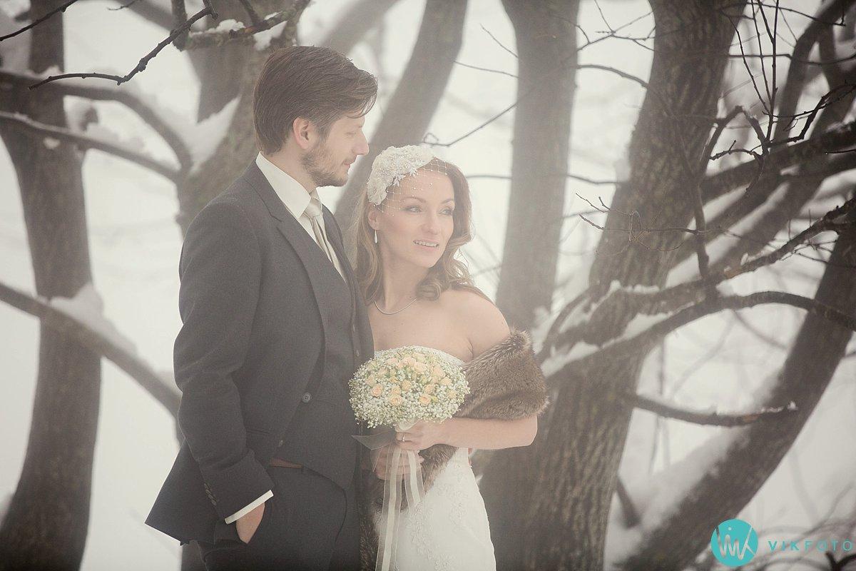 01-bryllupsbilde-frognerseteren-holmenkollen