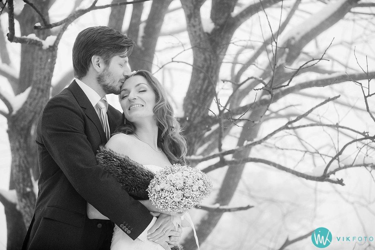 03-bryllupsbilde-frognerseteren-holmenkollen
