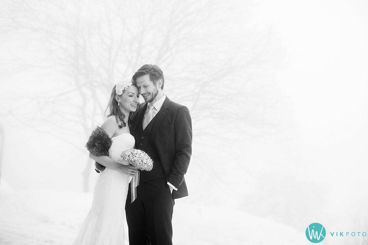 06-bryllupsbilde-frognerseteren-holmenkollen