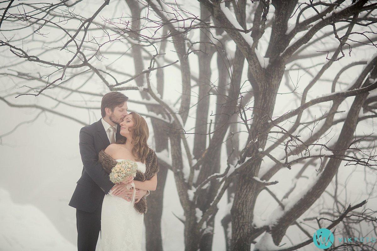 07-bryllupsbilde-frognerseteren-holmenkollen