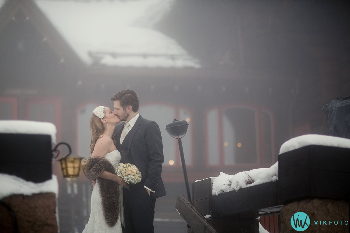 09-bryllup-frognerseteren-holmenkollen-vinterbryllup