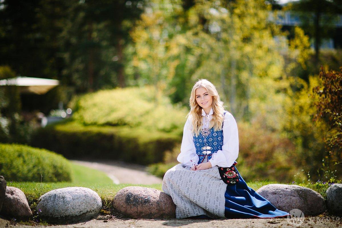 14-fotograf-sarpsborg-portrett-bunadsbilde-konfirmasjon