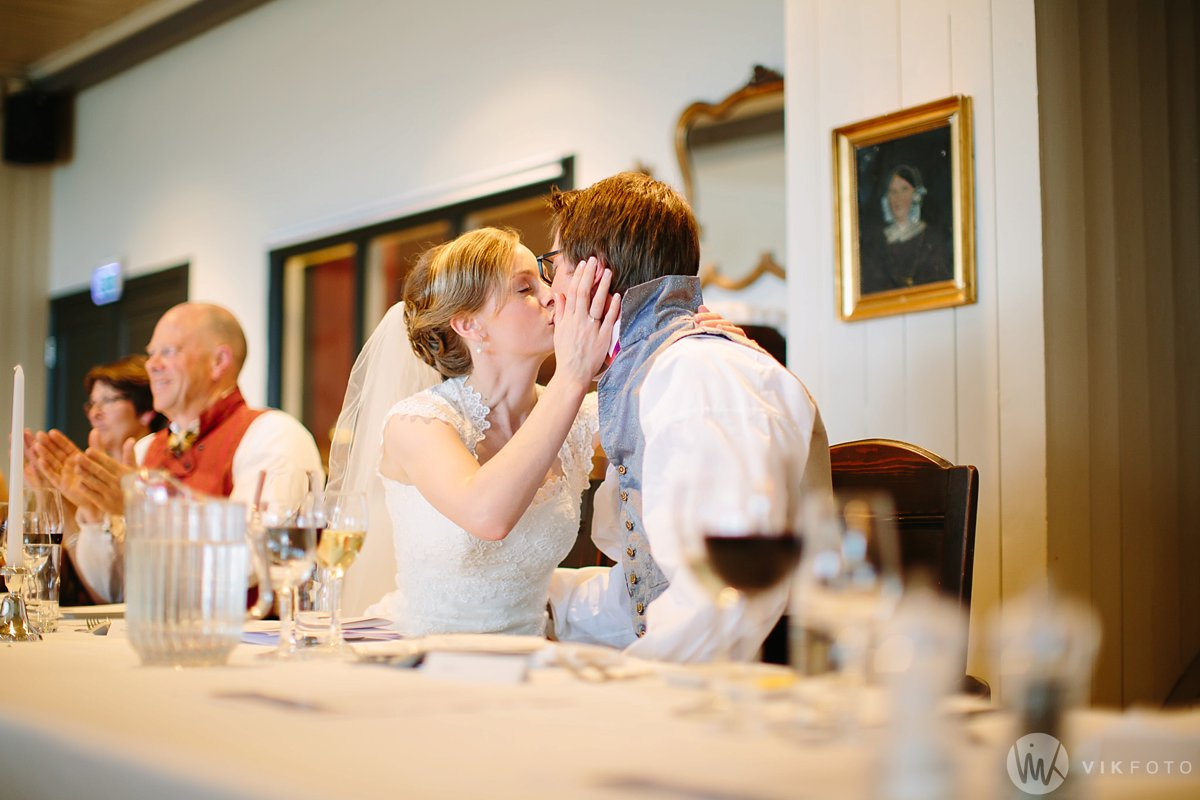 55-bryllup-kleivstua-heldags-fotograf-middag-fest