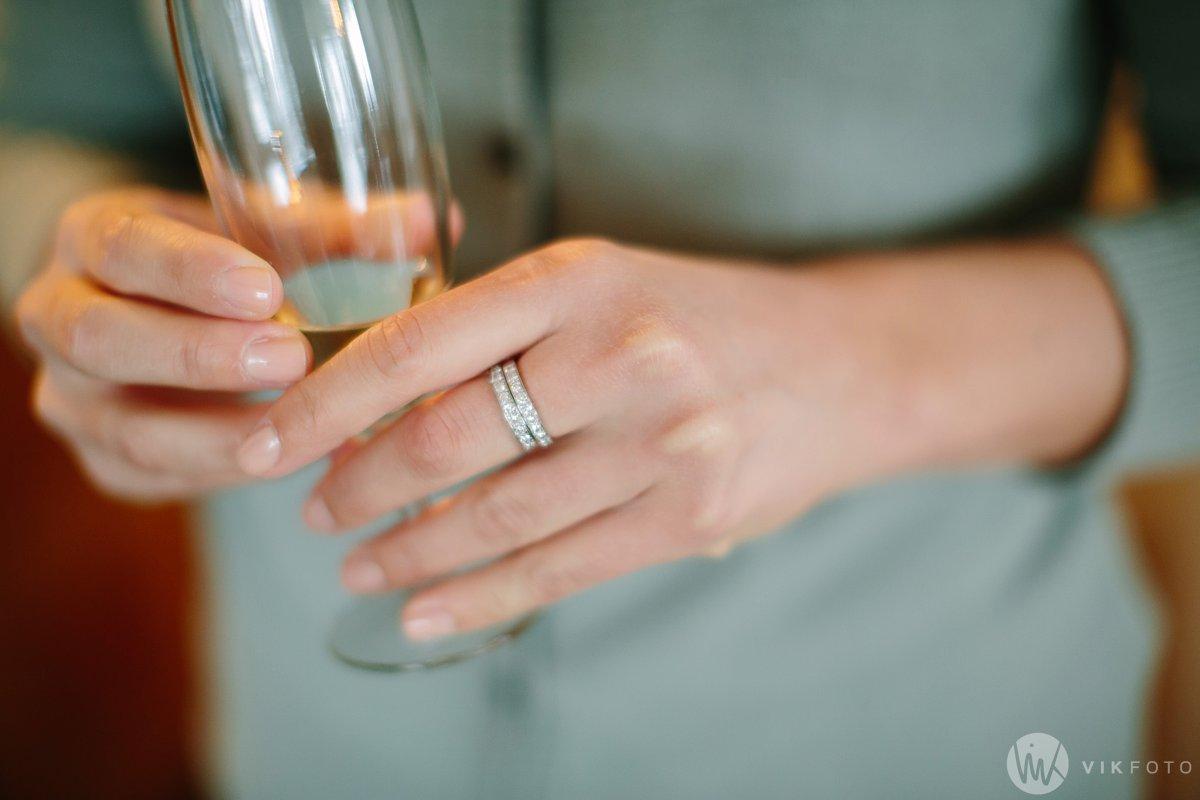 03-vinterbryllup-bryllup-holmenkollen-kapell-vielse-brudepar
