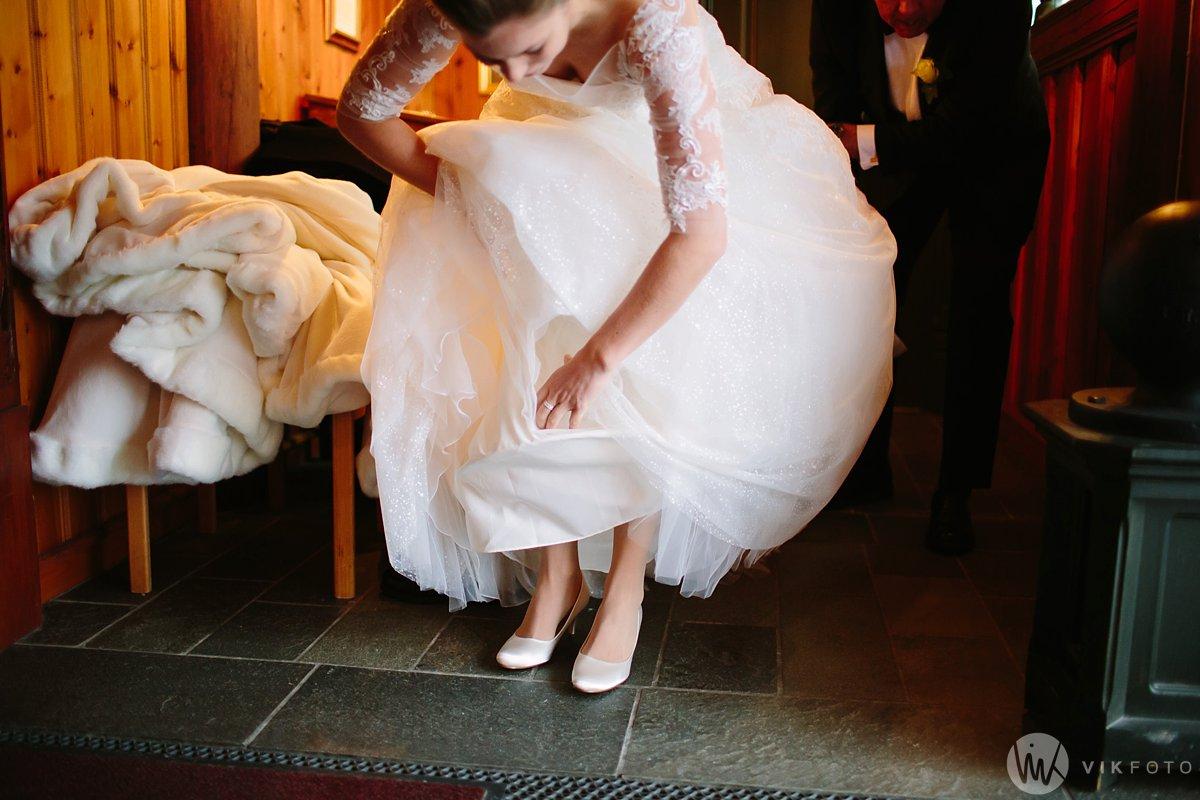 14-vinterbryllup-bryllup-holmenkollen-kapell-vielse-brudepar
