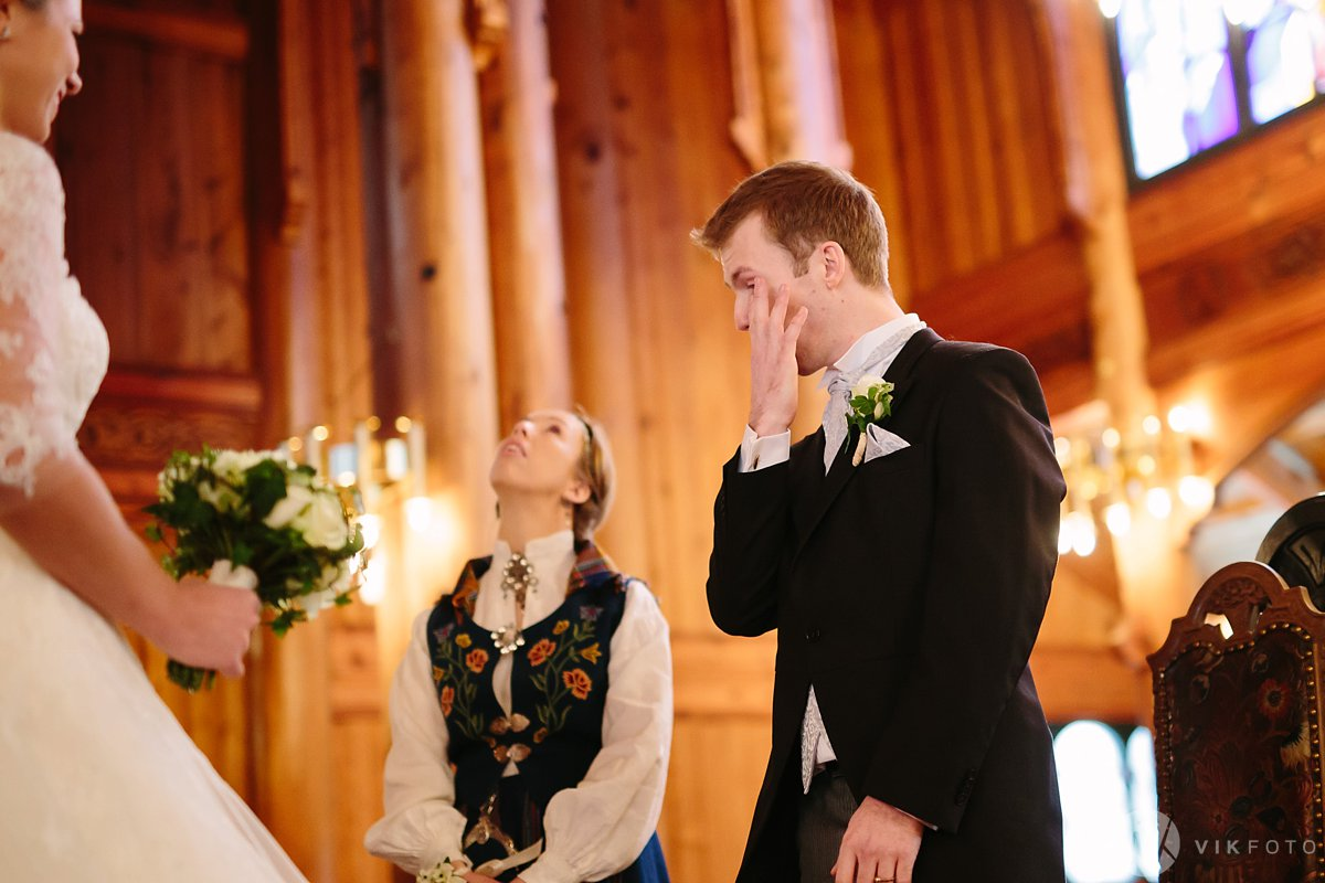 18-vinterbryllup-bryllup-holmenkollen-kapell-vielse-brudepar