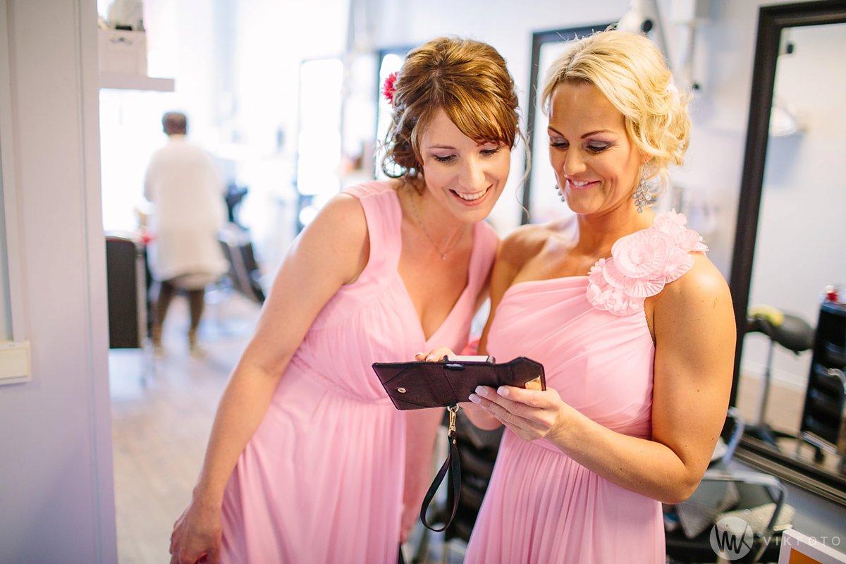 12-bryllup-fotograf-fredrikstad-brud-kace-hårpleie.jpg
