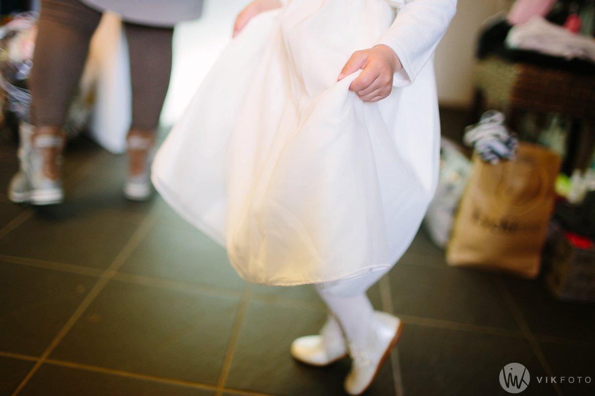 13-bryllup-fotograf-fredrikstad-brud-kace-hårpleie.jpg