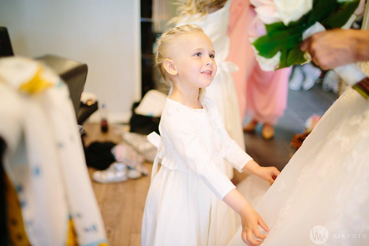15-bryllup-fotograf-fredrikstad-brud-kace-hårpleie.jpg