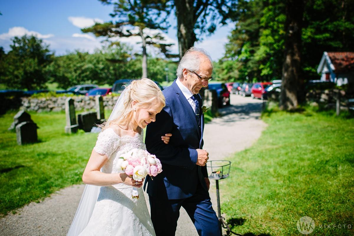 25-bryllup-hvaler-kirke-sommerbryllup.jpg