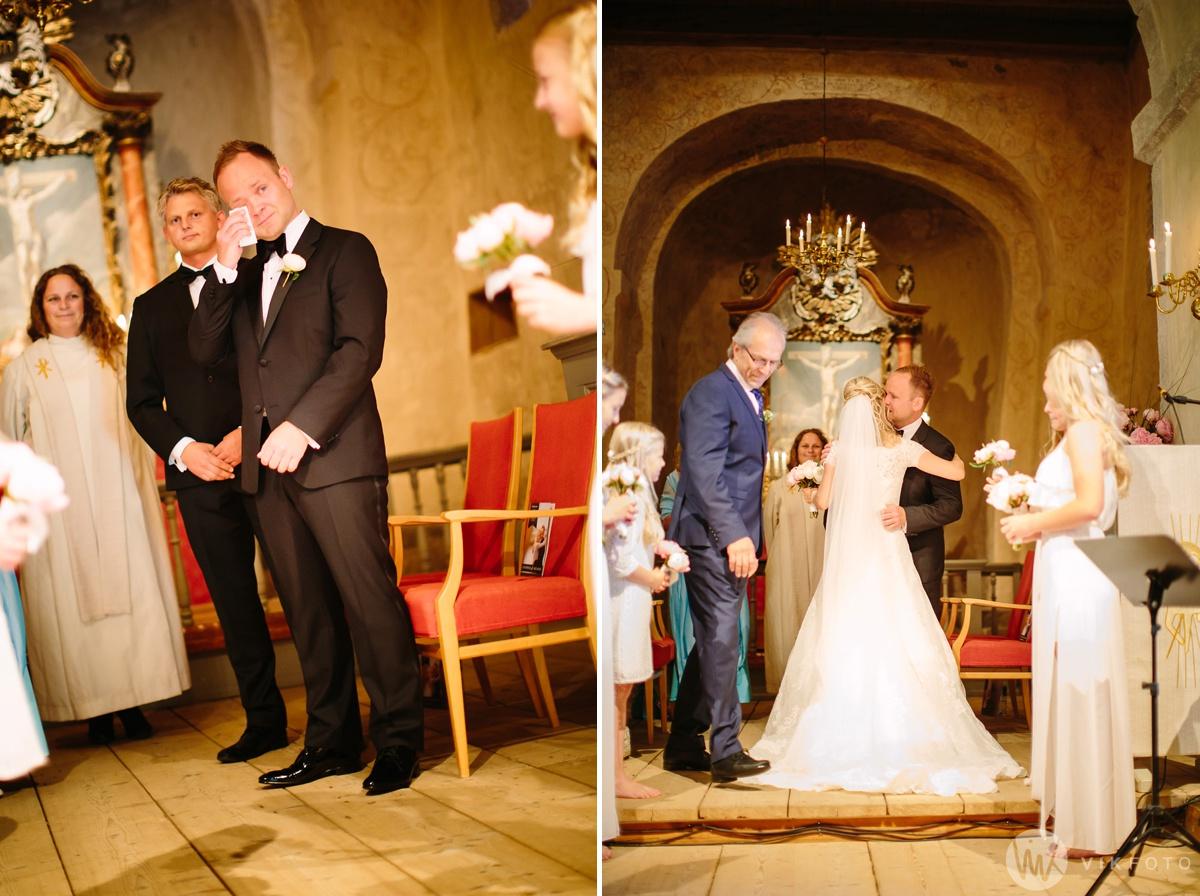 27-bryllup-hvaler-kirke-sommerbryllup.jpg