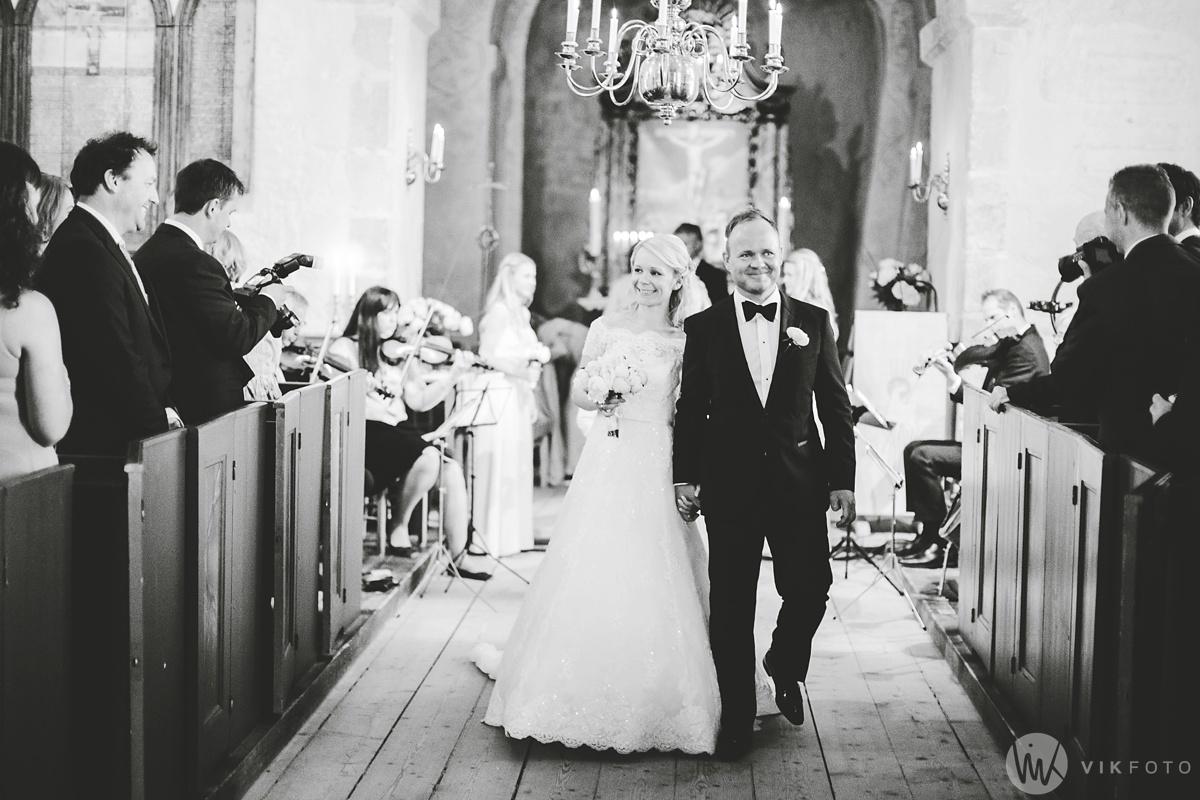 36-bryllup-hvaler-kirke-vielse-fotograf-jan-ivar-vik.jpg