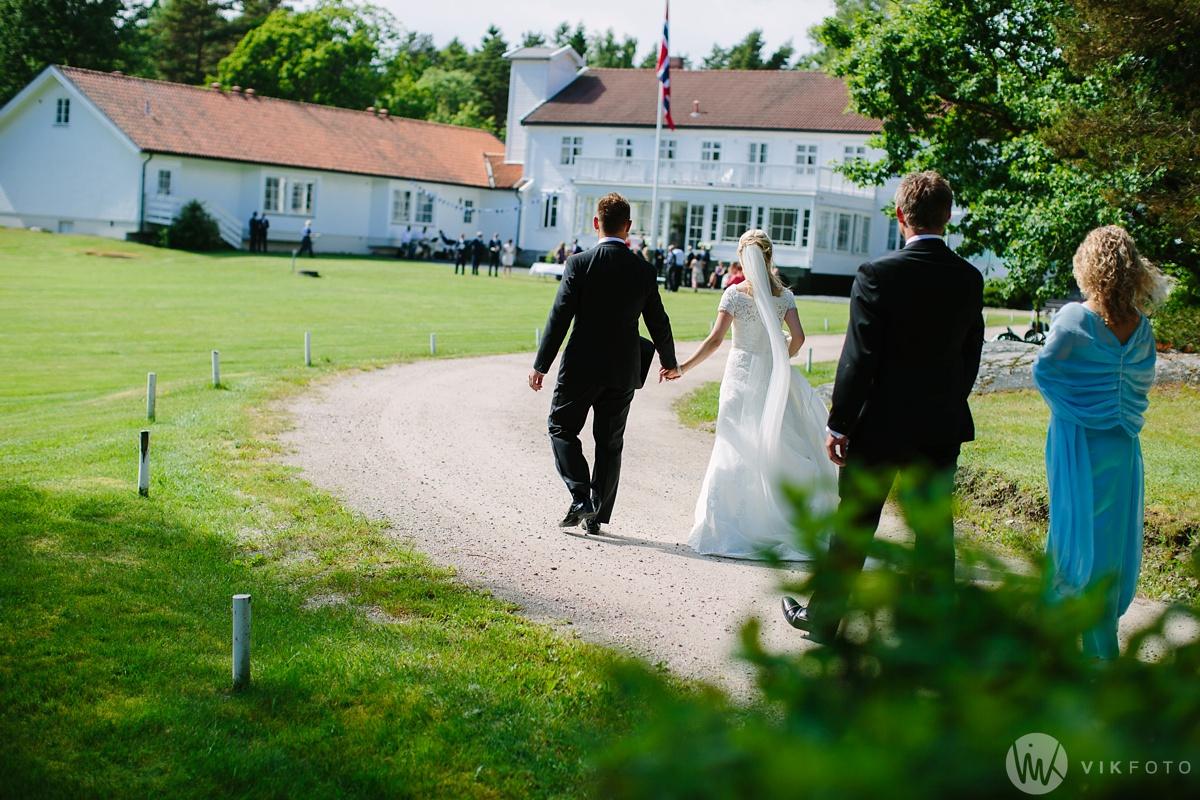 53-bryllup-hvaler-gjestgiveri-bryllupsbilde-brudepar.jpg