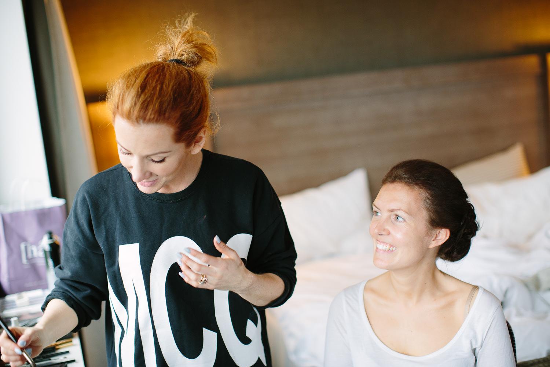 05-bryllup-holmen-fjordhotell-forberedelser-brud-forlovere.jpg