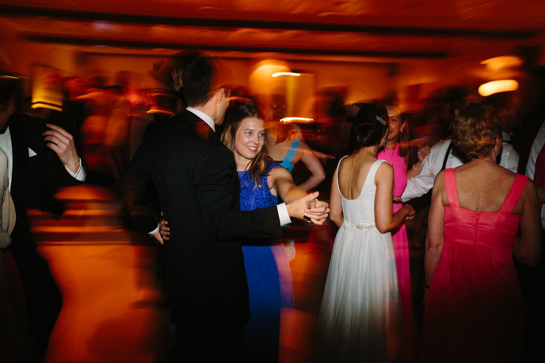 90-kleivstua-bryllup-bryllupsfest-dans-kake.jpg
