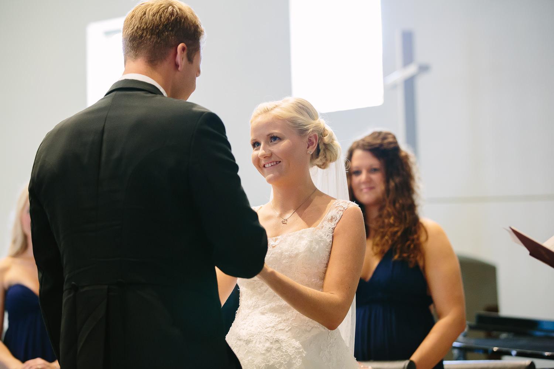 26-bryllup-halden-salen-pinsekirke-vielse.jpg