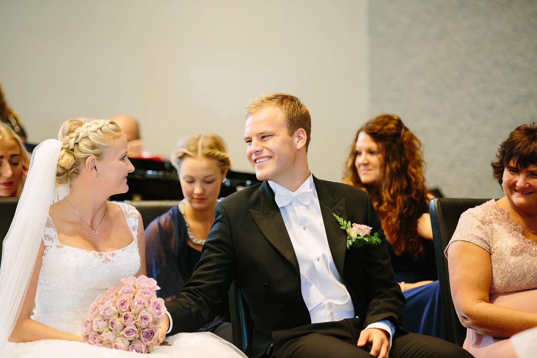 28-bryllup-halden-salen-pinsekirke-vielse.jpg