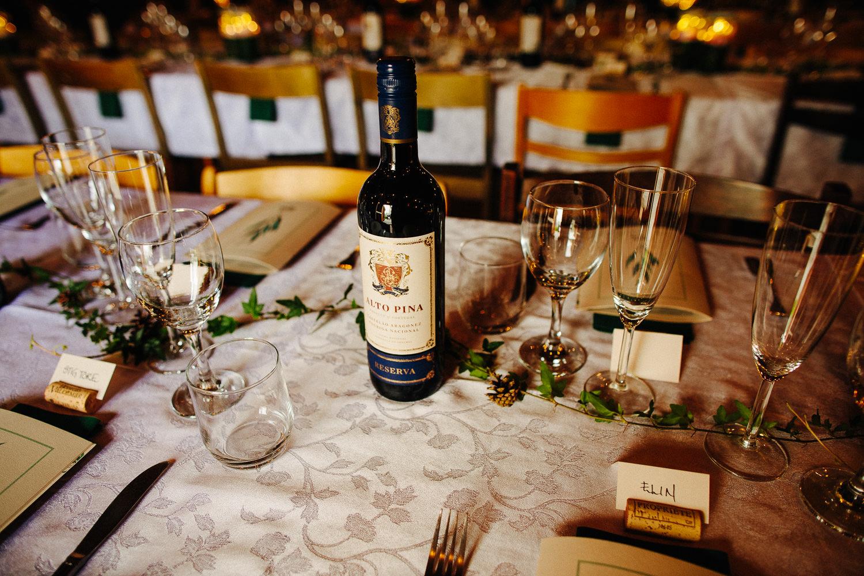 Vin på bordet i bryllup