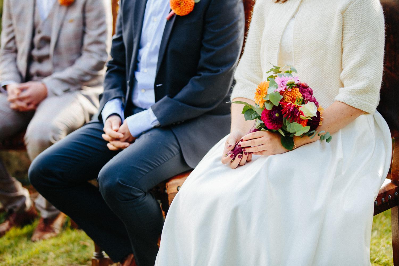 12-bryllup-solstua-vielse-ute.jpg