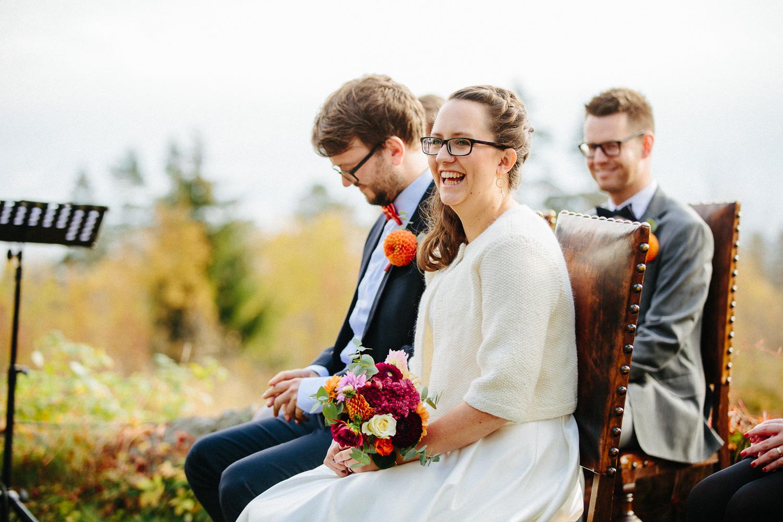 13-bryllup-solstua-vielse-ute.jpg