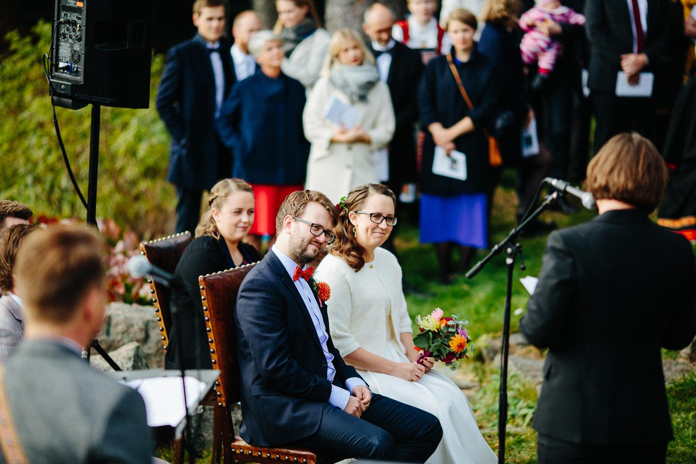 15-bryllup-solstua-vielse-ute.jpg