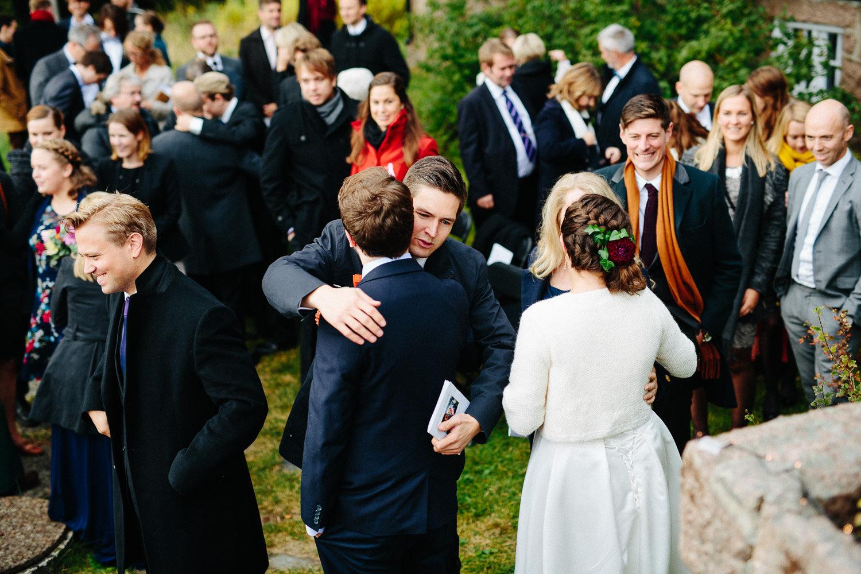 34-bryllup-solstua-vielse-ute.jpg