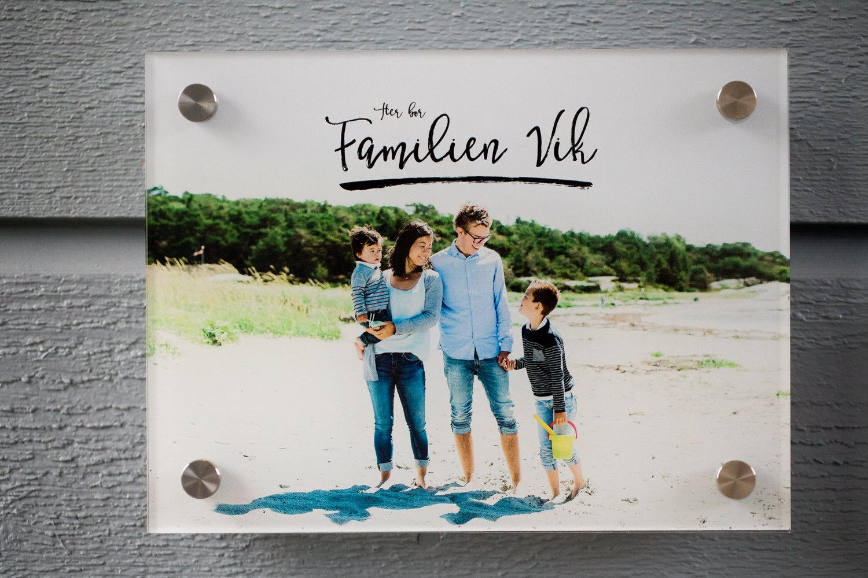 Personlig dørskilt med familiebilde fra Ukeplan