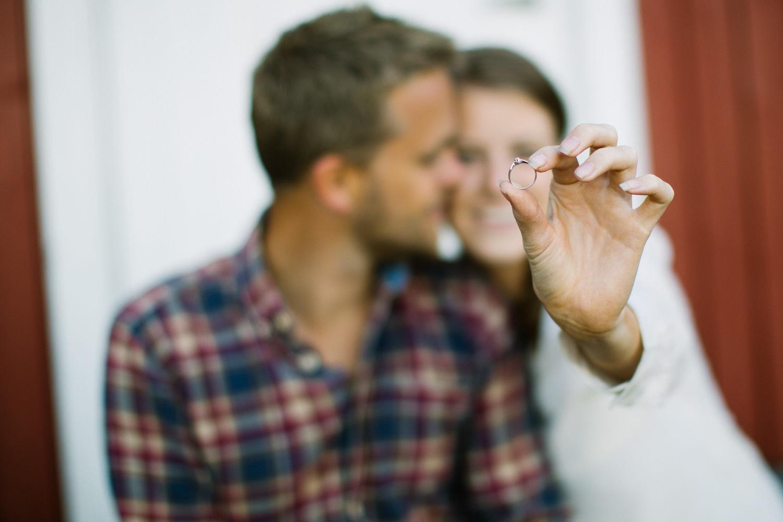 forlovelse-kjærestepar-romantiske-bilder-fotograf-sarpsborg-16.jpg