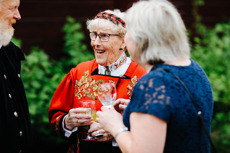 bryllup-bestemor-fest-bunad