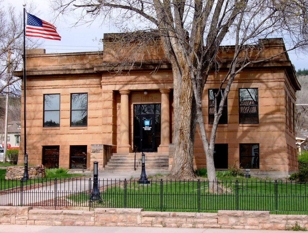 Hot Springs, South Dakota Public Library. They were closed. In their defense it was a Sunday.  Photo by Flickr