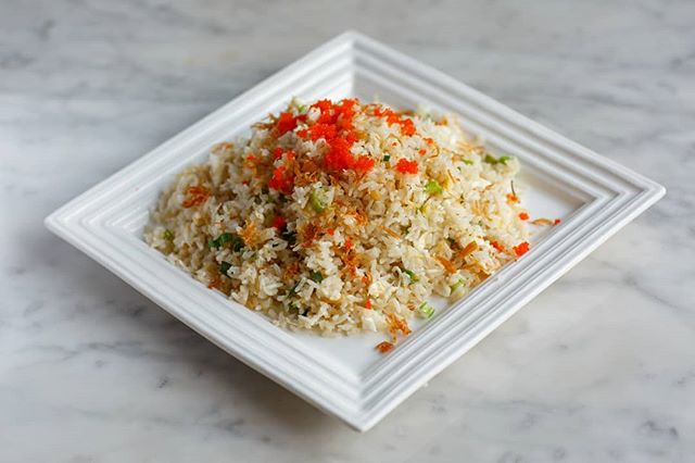 Fried rice is a wonderful part of almost any Chinese food meal. Come try our different styles of fried rice, including Shredded Beef Fried Rice 😋 . . . #monday #friedrice #rice #shreddedbeef #beef #dolorestaurant #dolochicago #chinatownchicago #dimsum #chinesefood #cantonesefood #yummy #foodie #tasty #Hungry #foodpics #foodpic #foodphotography #chicagofoodauthority #chicagofood #Chicagoeats #chicagolife #chicagofoodie #instachicago #312food #Food