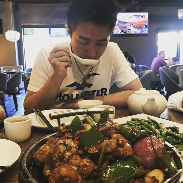 Want to share a meal with an old friend? Dolo is the perfect place to catch up over delicious seafood, dim sum, or drinks 😊 . 📷: Huizhen L. (goo.gl/8UaNnr) . . . #sunday #weekend #friends #sharingiscaring #foodwithfriends #dolorestaurant #dolochicago #chinatownchicago #dimsum #chinesefood #cantonesefood #yummy #foodie #tasty #Hungry #foodpics #foodpic #foodphotography #chicagofoodauthority #chicagofood #Chicagoeats #chicagolife #chicagofoodie #instachicago #312food #Food #yelp
