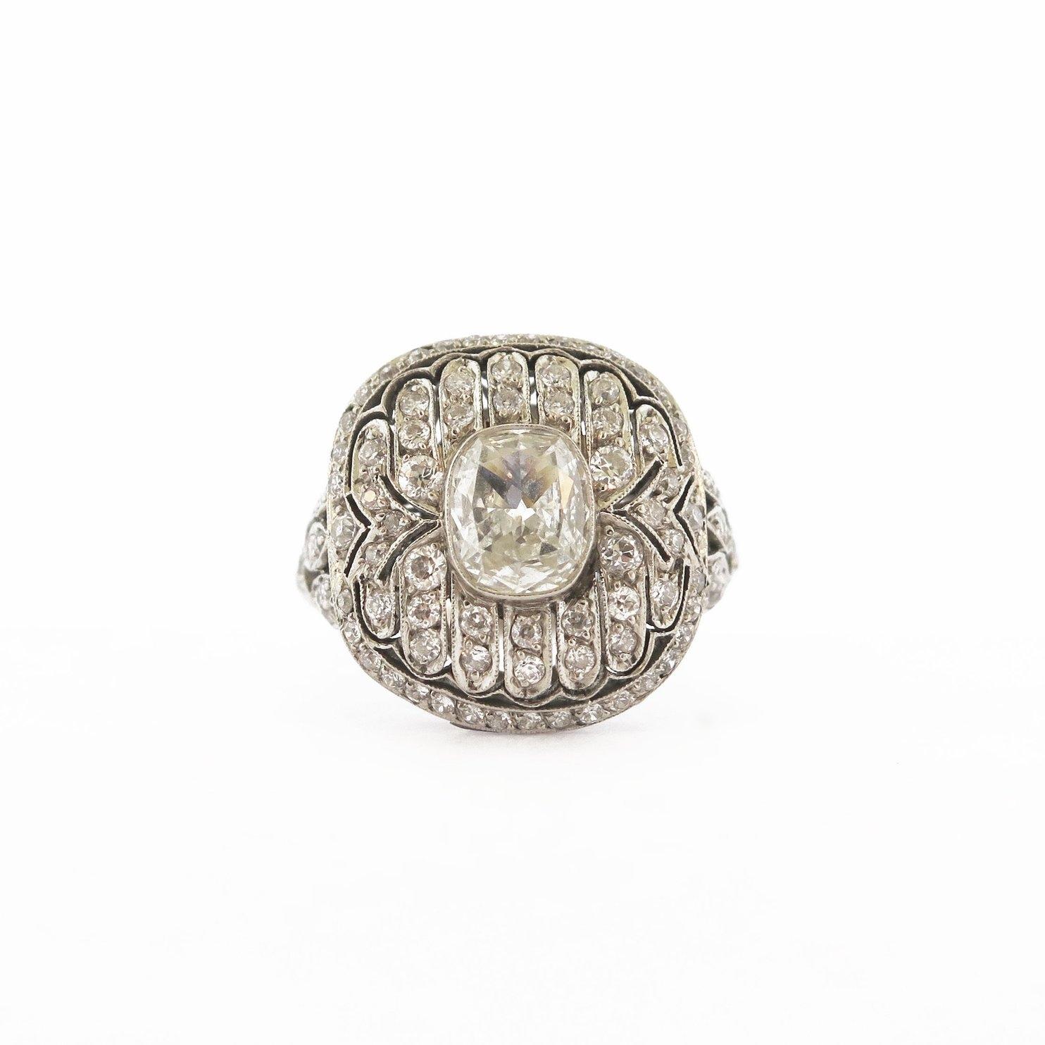 Belle Époque Diamond Platinum Ring