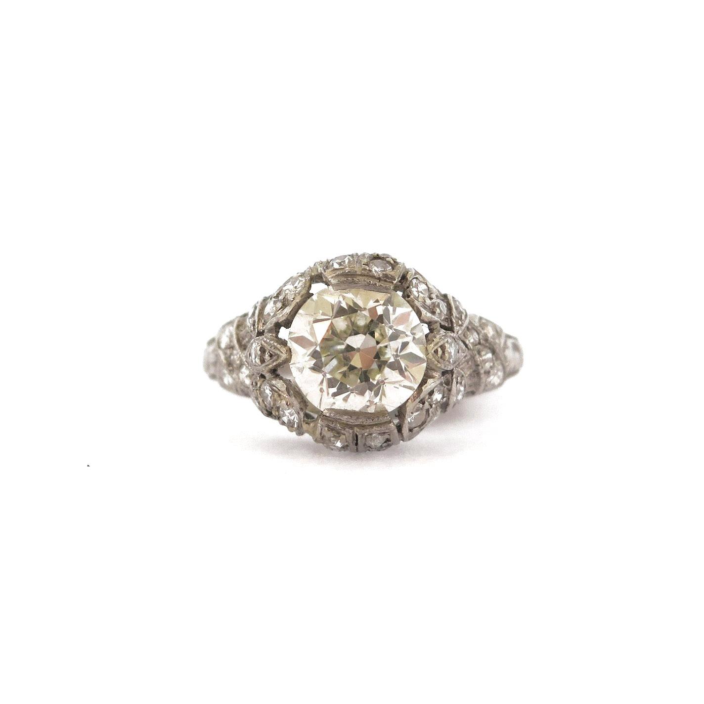 2 ct Diamond Ribbon Motif Ring