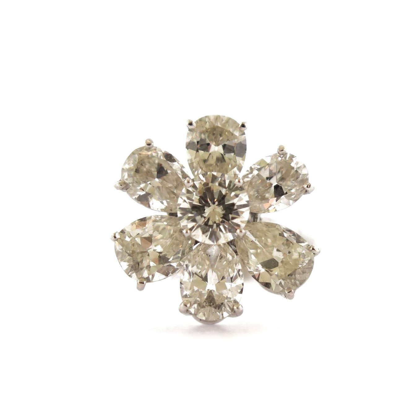 1960s Diamond Flower Platinum Ring