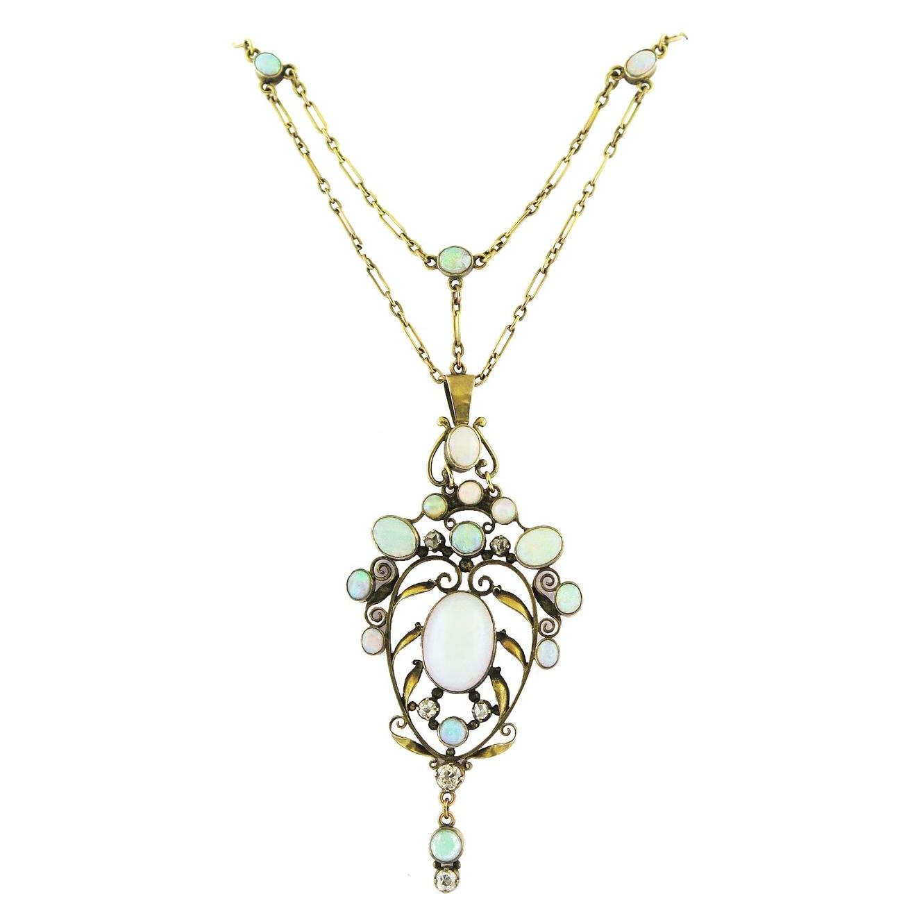 Art Nouveau Opal and Gold Pendant Necklace