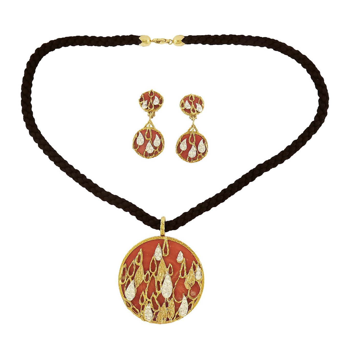 Kutchinsky Coral and Diamond Gold Pendant and Earrings Set