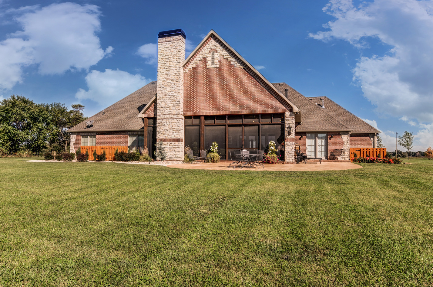 built-by-brett-custom-home-springfield-mo-13735-lawrence-2100-exterior-005.jpg